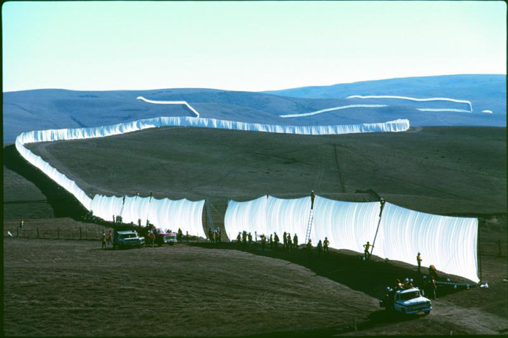 Christo_Running_Fence_3