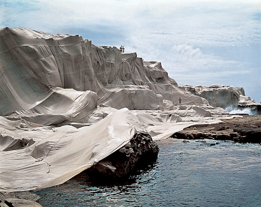 Christo_Wrapped-Coast_3