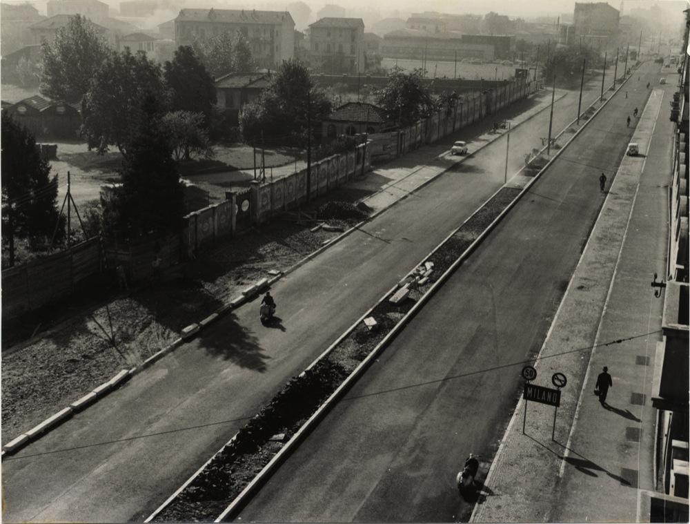 Viale Monza 1964 la carreggiata ripristinata dopo la copertura della metro