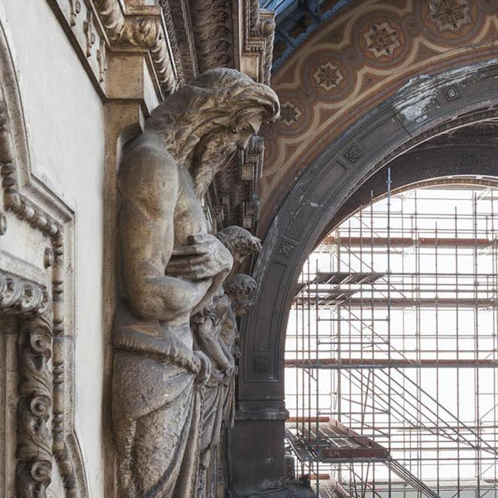 Galleria_Cariatidi_Telamoni_PArticolare