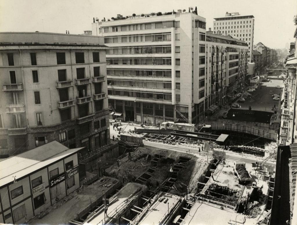 Corso Buenos Aires durante i lavori delal Metropolitana linea 1 in piazza Lima 1961