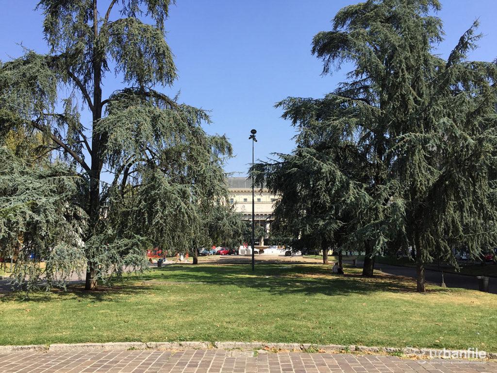 2016-09-25_piazza-luigi-di-savoia_5