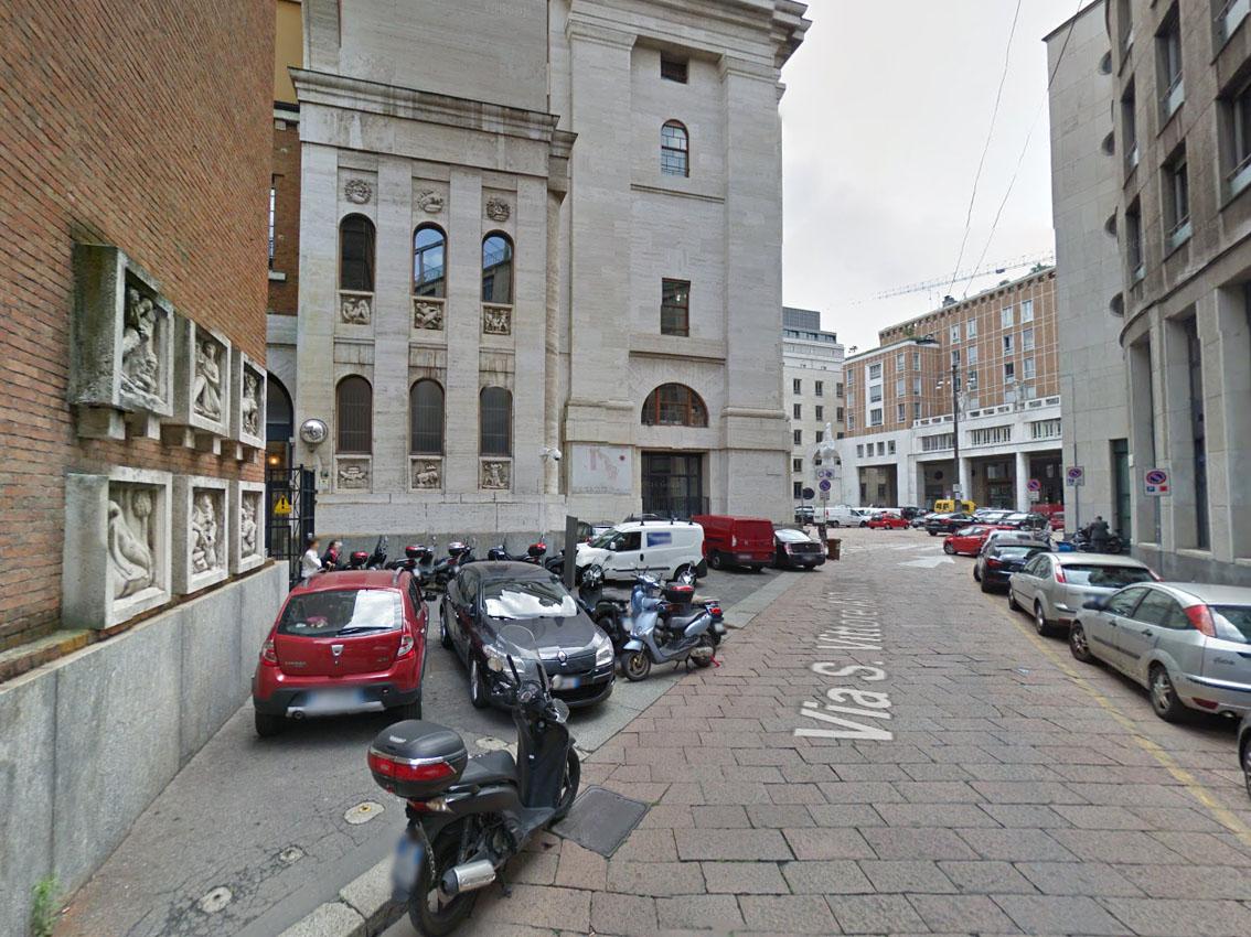 Milano paragoni londra milano e l 39 arredo urbano for Un arredo urbano