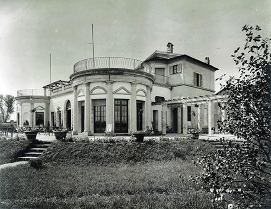 cagnola-il-tennis-club-di-milano-la-palazzina-dal-giardino-1950