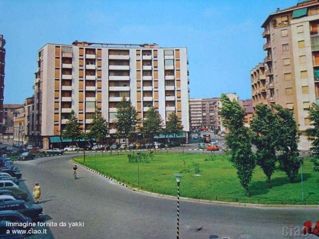piazza-schiavone-1995