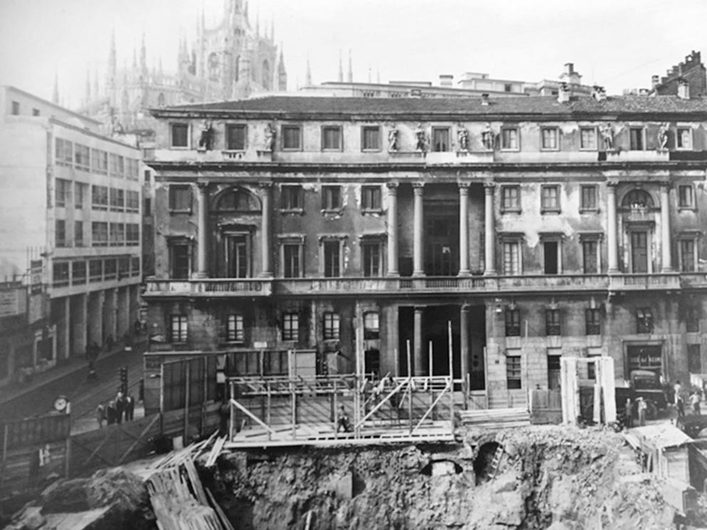 Palazzo Tarsis negli anni 50 quando si ricostruì il Corso