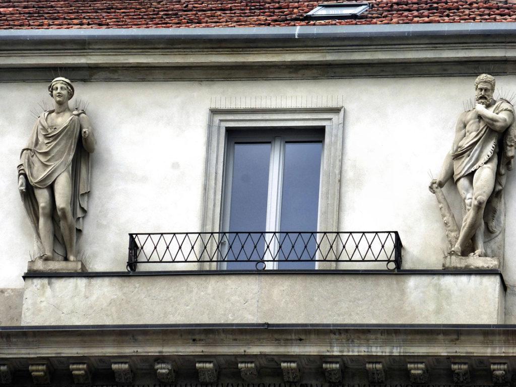 palazzo_tarsis_attico_e_statue