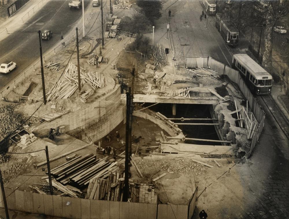 porta-venezia-lavori-di-deviazione-del-redefossi-durante-la-costruzione-della-metro-1-b