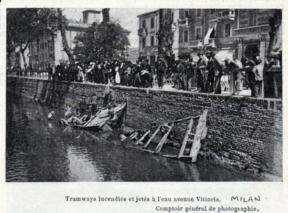 porta-vittoria-viale-premuda-tram-gettati-nel-redefossi-durante-i-motti-del-1898