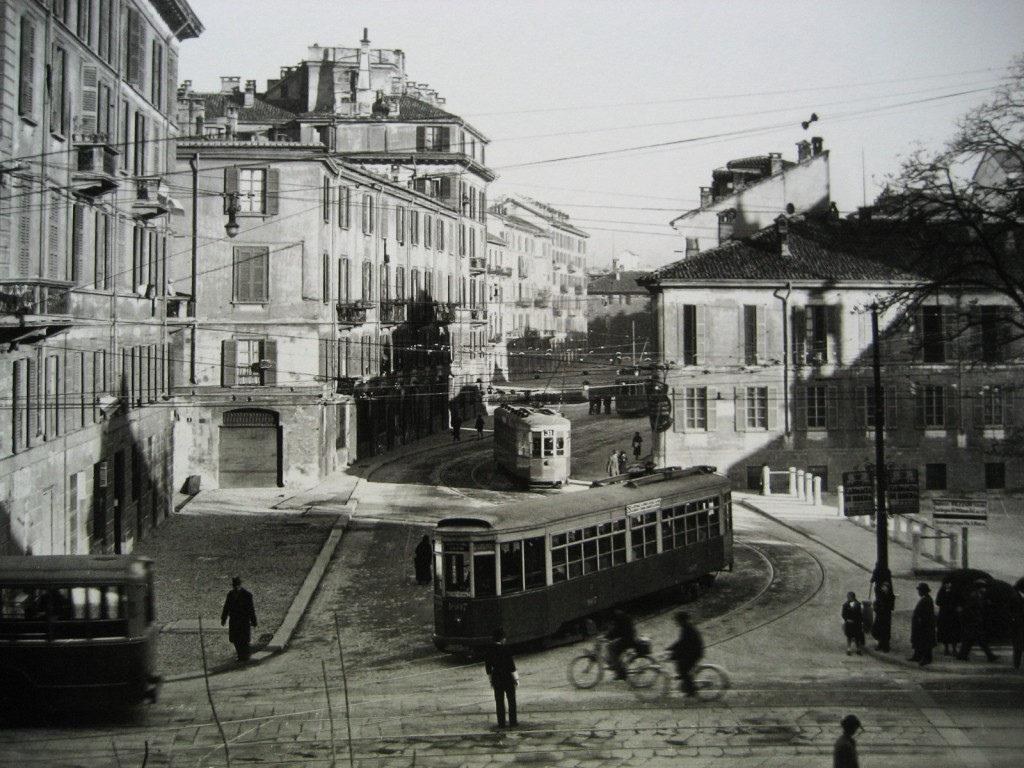 tram-piazza-san-marco-oramai-priva-del-naviglio