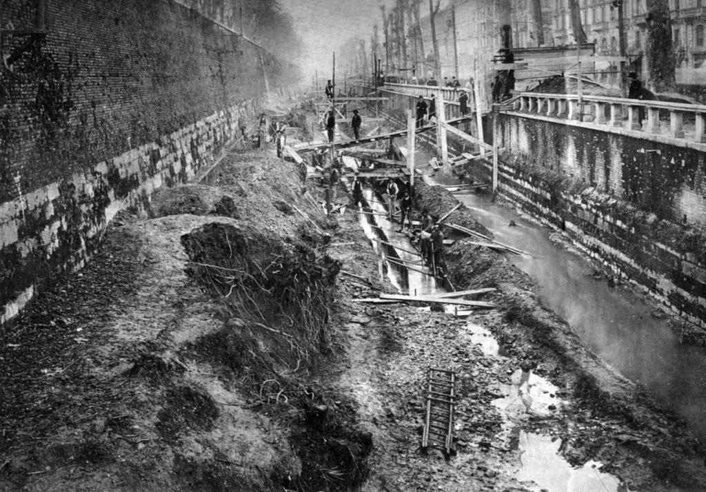 viale-vittorio-veneto-e-il-redefossi-1906