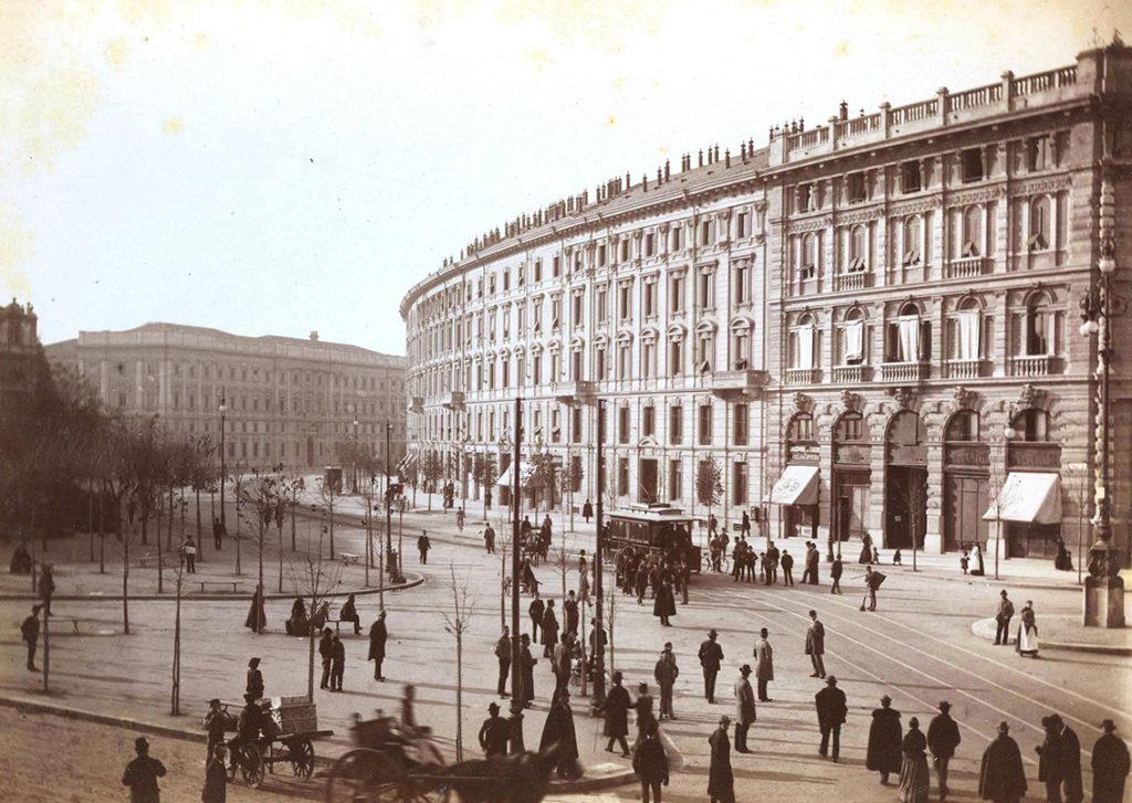 2 novembre 1893 - primo viaggio tram elettrico in passaggio in Largo Cairoli