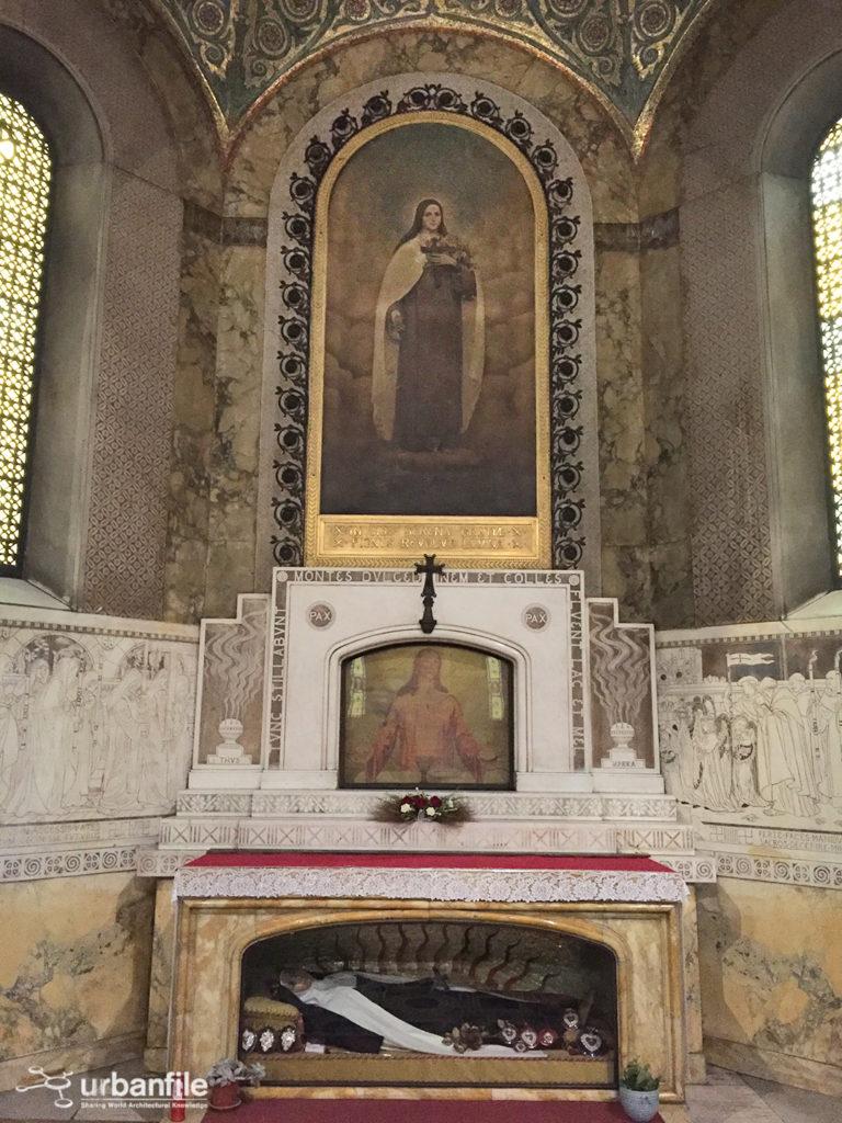Copia di Chiesa Corpus Domini Il trasporto del corpo di Santa Teresa