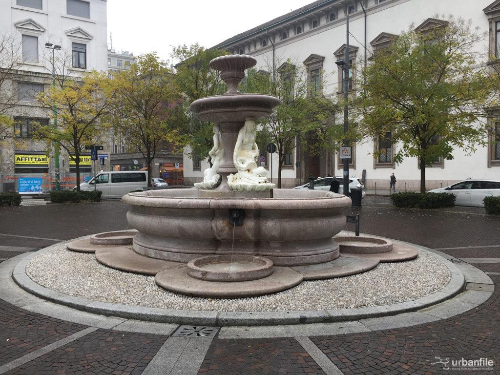 2016-11-19_gita_milano_sparita_2_piazza_fontana