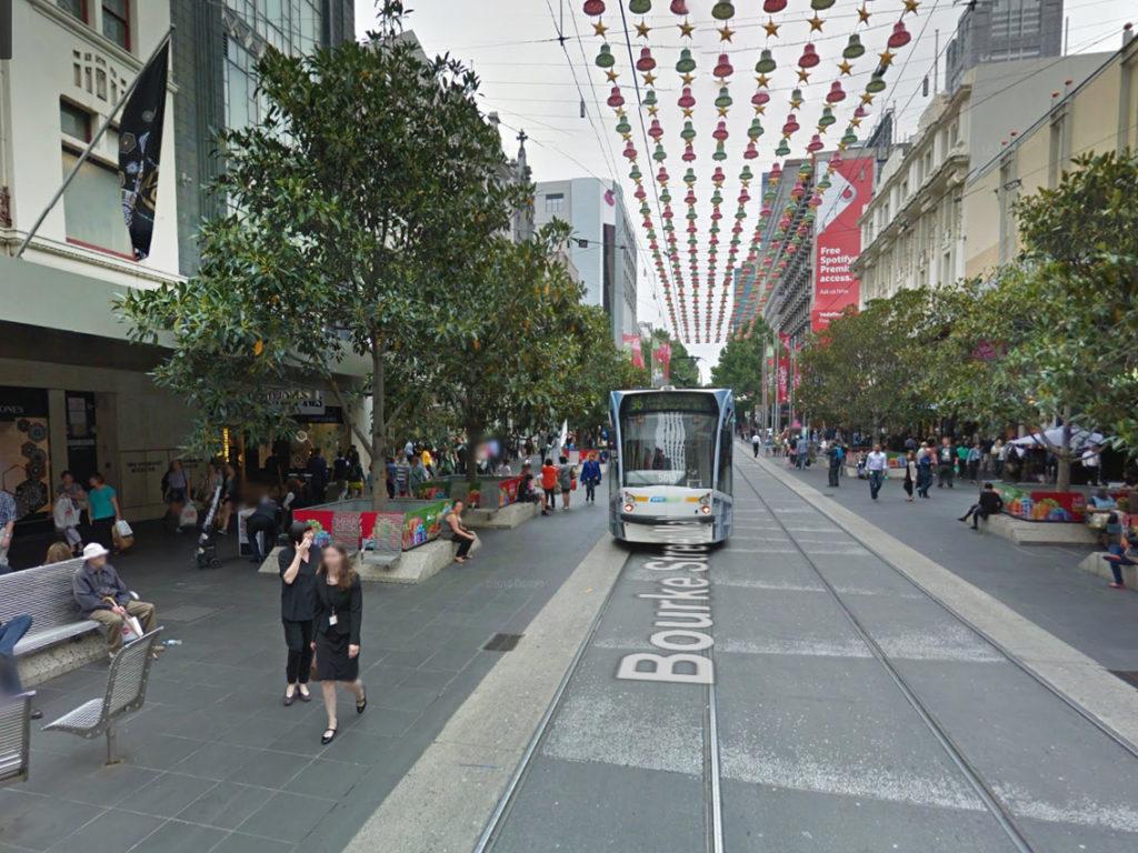 esempio_via_pedonale-con_tram_melbourne_2