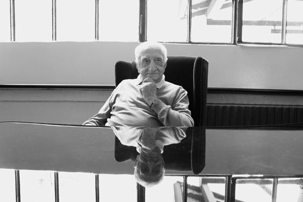 A rare sighting of Luigi Caccia Dominioni, the legendary Italian architect and designer, at the Azucena showroom.