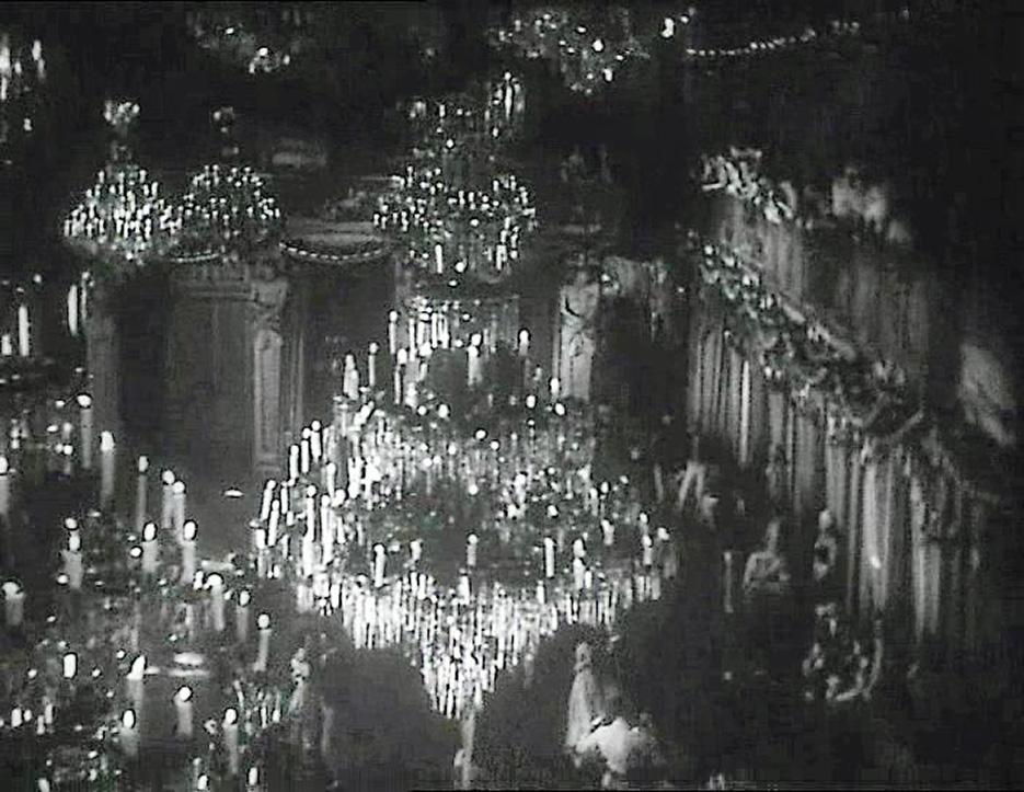 teresa_confalonieri_film_1934_ballo_nel_salone_delle_cariatidi_3