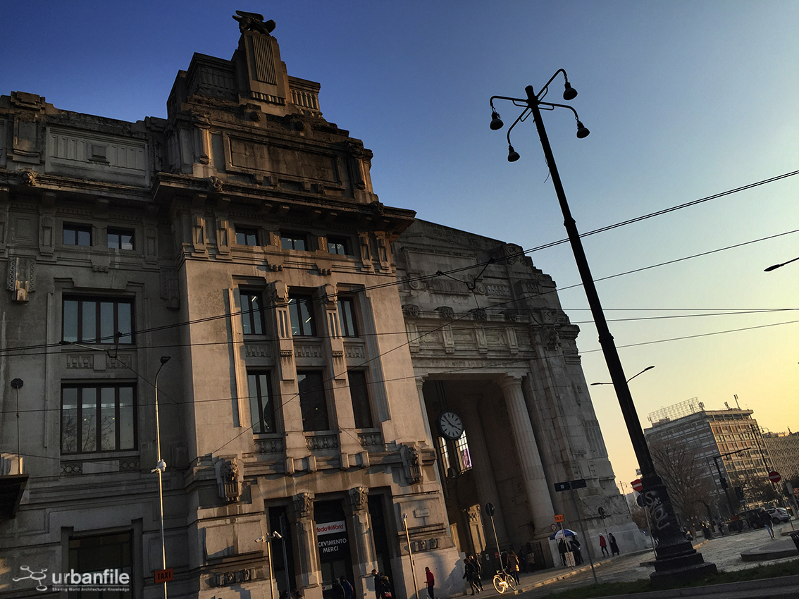 Milano centrale lampioni da recuperare in piazza iv for Arredare milano piazza iv novembre