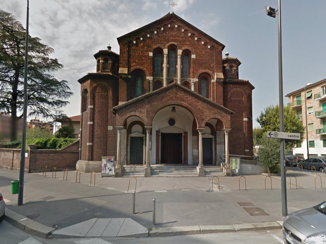 Milano montalbino la chiesa di san paolo apostolo tra neo romanico e dec urbanfile blog - Finestra a due archi ...