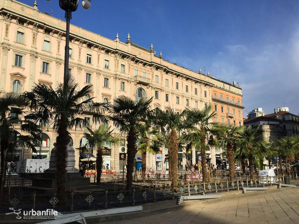 2017-03-06_Piazza_Duomo_Palme_1