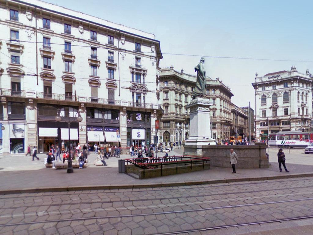 Piazza_Cordusio_Monumento_Parini_A