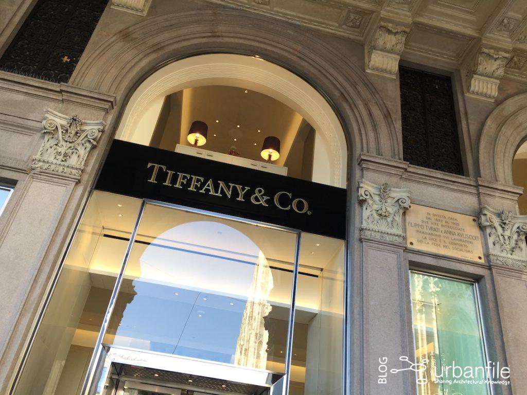 Milano zona duomo dall 39 hamburger a tiffany urbanfile for Tiffany excelsior milano