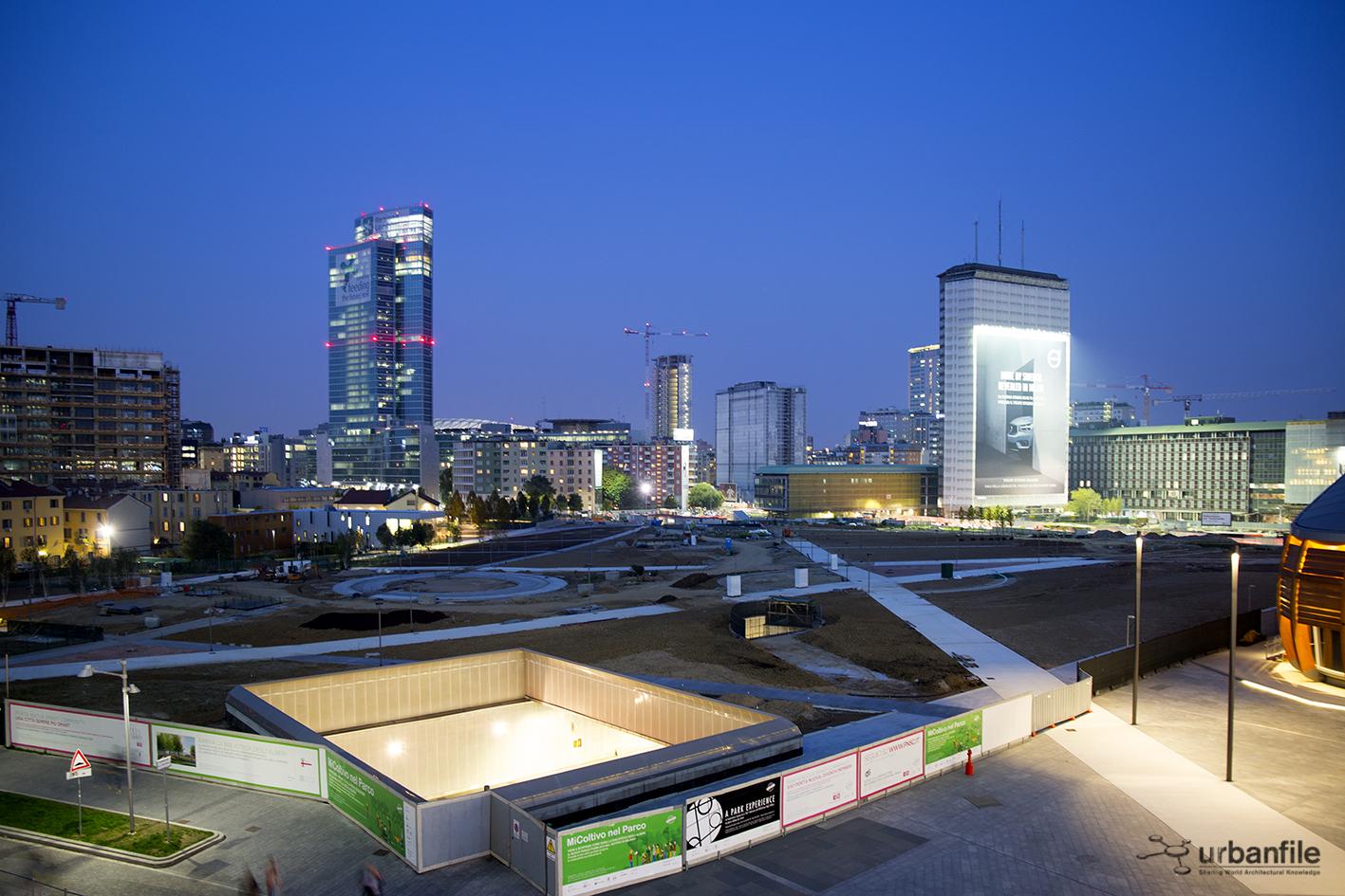 Milano porta nuova la biblioteca degli alberi vista - Via porta nuova milano ...