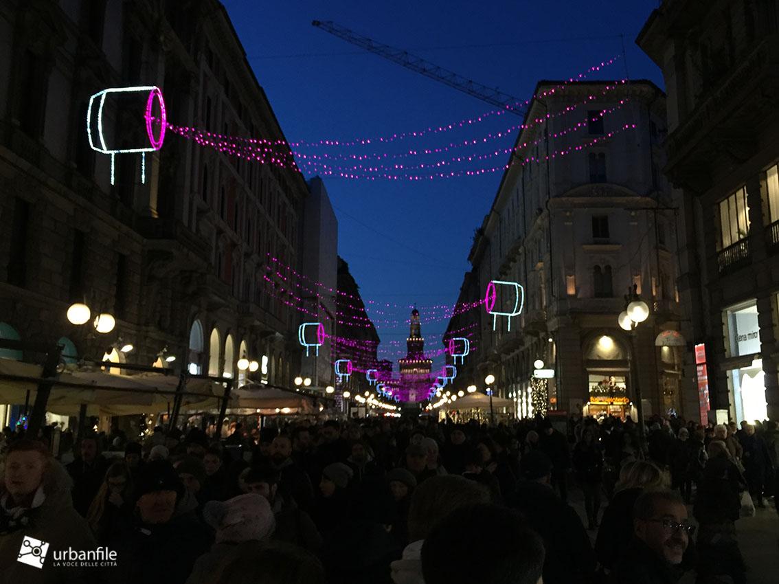 Milano Decorazioni Natalizie.Milano Cordusio Natale Ma La Fantasia E Il Design