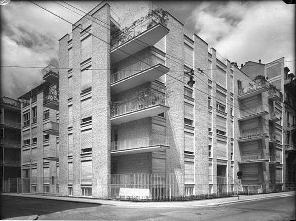 1950, Milano - Edificio in via Cernaia 9 B