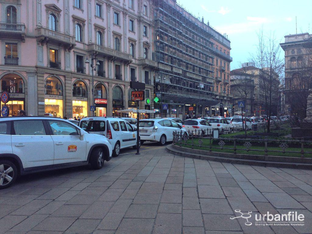 2015-01-19 Taxi Duomo 0