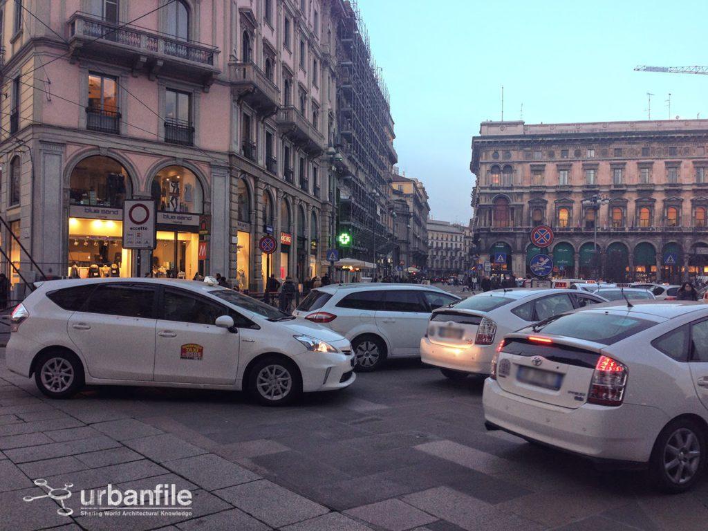 2015-01-19 Taxi Duomo 2