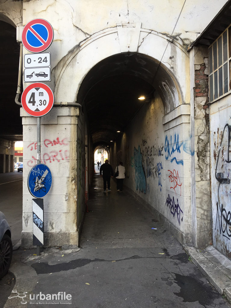 2016-10-30_tunnel_via_padova_1
