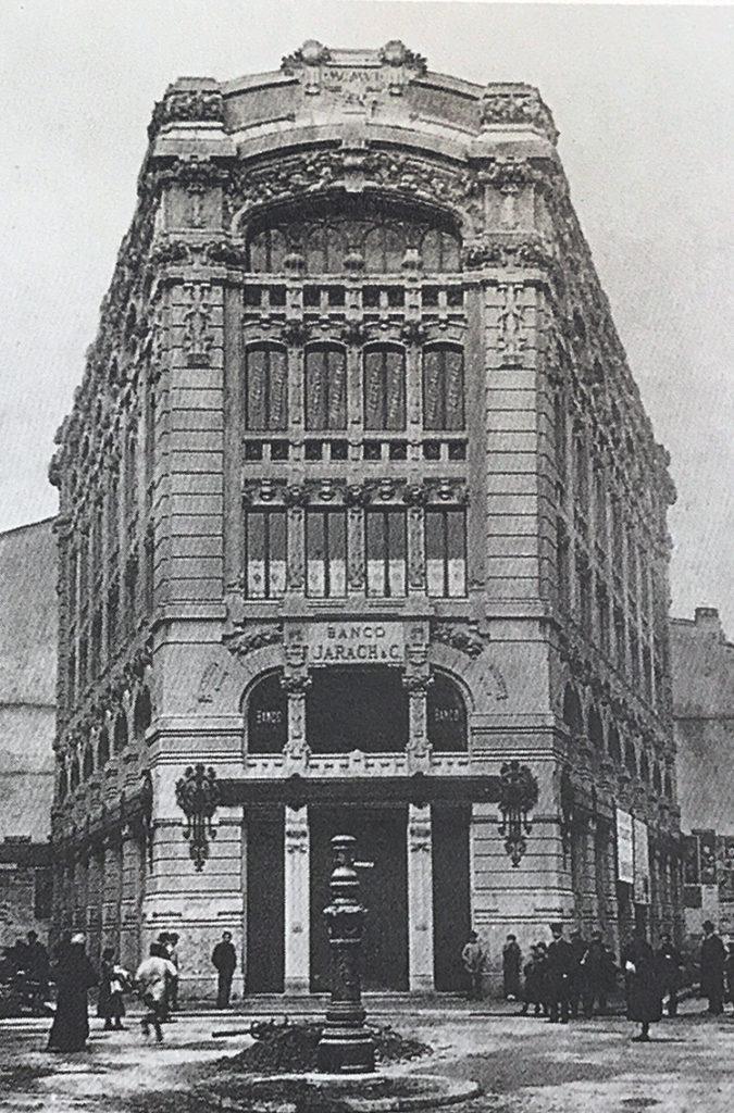 Cordusio - Casa Lancia, Banco Jarach dal 1906 al 1938