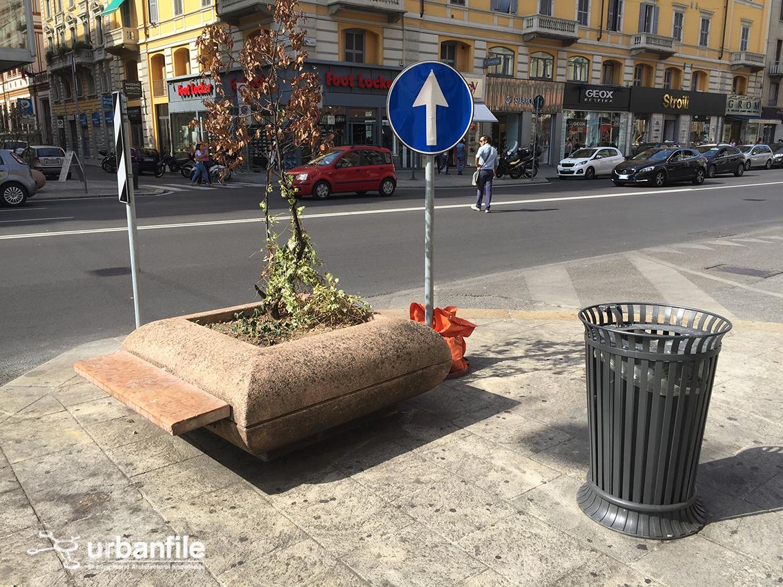 Milano porta venezia arredo urbano le fioriere for Fioriere arredo urbano